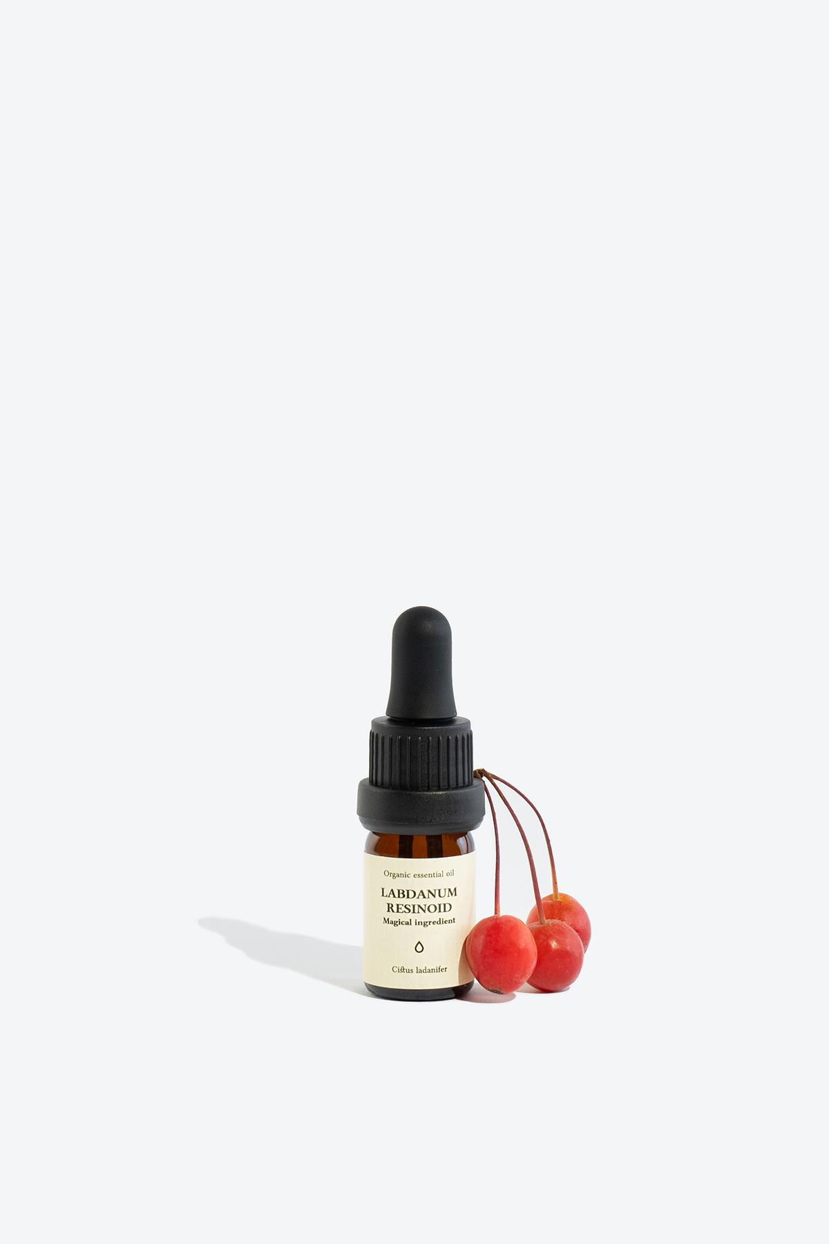 Organic labdanum resinoid essential oil SMELLS LIKE SPELLS